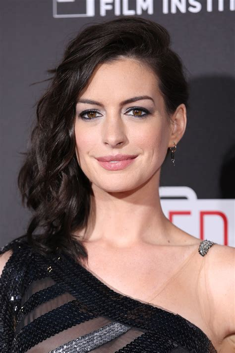 Product Spotlight: Get Anne Hathaway's Lipstick | StyleCaster