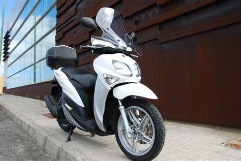 Prueba Yamaha X Enter 125: urbanita con estilo propio ...
