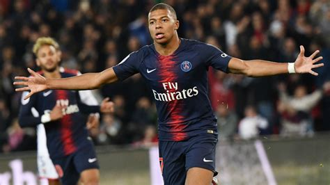 PSG vs O. Lyon Mbappé se come al Lyon: marca cuatro goles ...