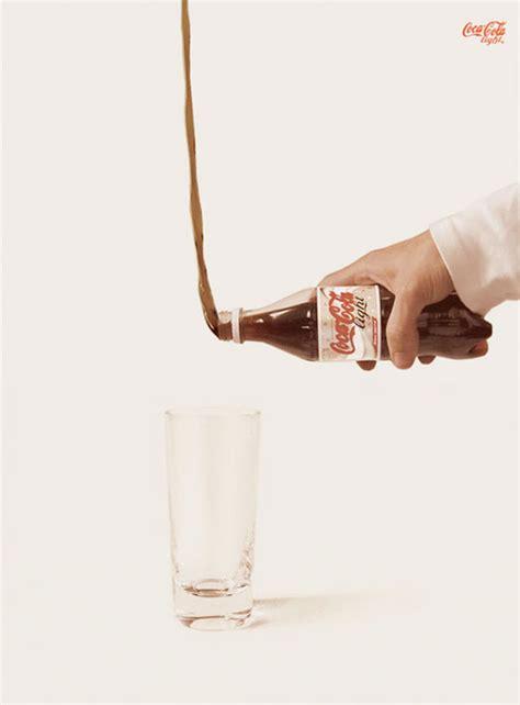 Publicidad anti gravedad de Coca Cola Light y Pepsi Light