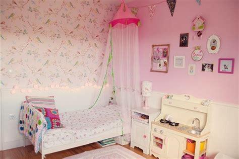PUERTA AL SUR: Habitación en rosa para una niña.
