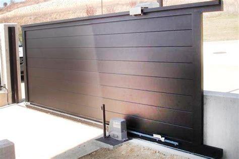 Puerta de Garaje Automática o Manual   Cerraluz ...