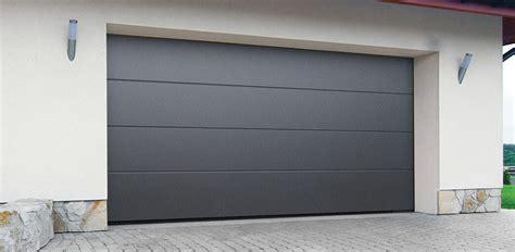 Puerta de garaje seccional de panel liso   Puertas ...