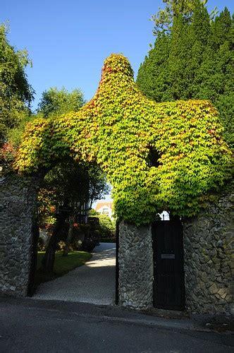 Puerta de los pájaros de Gaudí   Comillas   Cantabria | Flickr