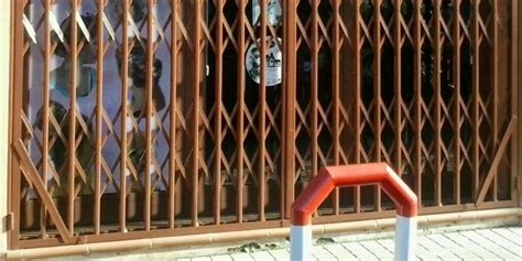 Puerta Extensible  Ballesta    Cerrajería Adrián