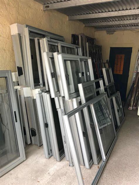 Puerta Reja En Hierro Dos Cerrojos Todo En Aluminio ...