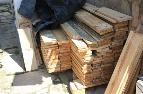 Puerta rustica a partir de madera de palet   Bricolaje