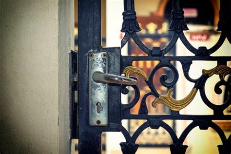 Puertas de cerrajería en Segovia | Talleres JDM en ...
