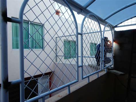 Puertas De Garaje Cubre Ventanas Cerrajeria En General   U ...