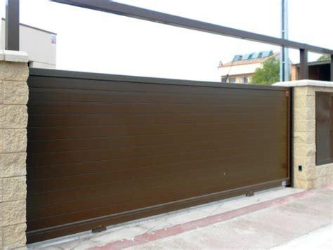 Puertas de garaje, elección | Cerrajeros Valencia