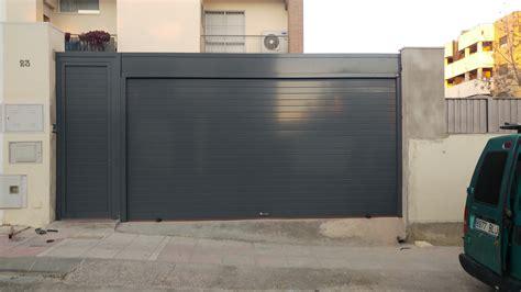 Puertas de garaje en Sevilla   Puertas Automáticas Mena