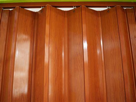 Puertas plegables PVC   División de espacios   PVC Acabados