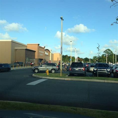 Puerto Rico Walmart Supercenter   Big Box Store