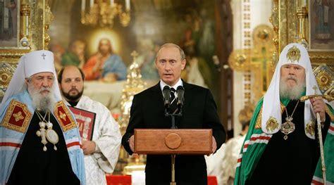 Putin diz que  comunismo é muito semelhante ao cristianismo