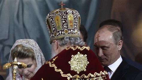 Putin fue bautizado por su madre a escondidas de su padre ...
