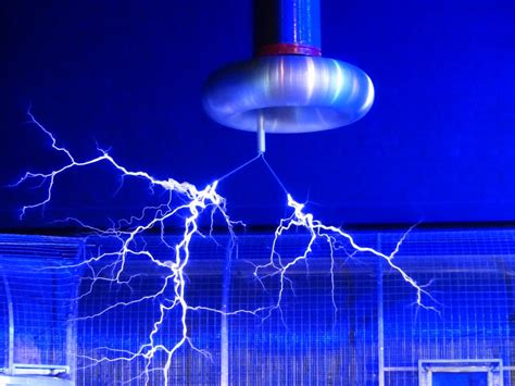 ¿Qué es la electricidad estática? | CEAC