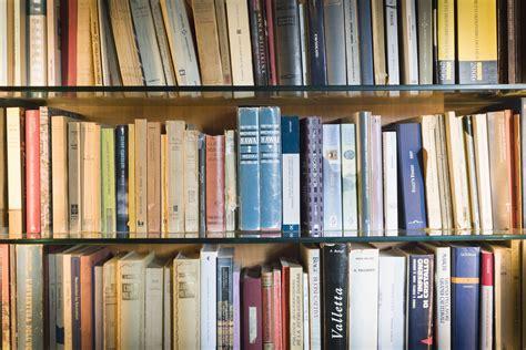 Qué es una novela? Definición y características   Ciencia ...
