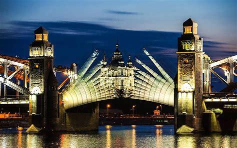 Qué hacer durante las noches blancas en San Petersburgo ...