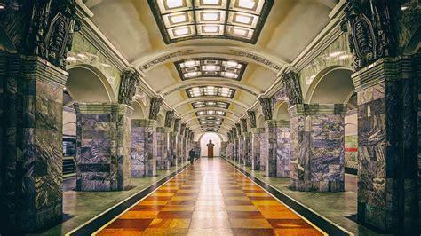 ¿Qué secretos esconde el metro de San Petersburgo ...