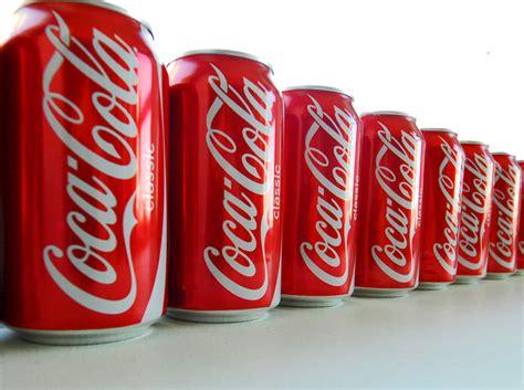 Qué sucede una hora después de beber una lata de Coca Cola ...
