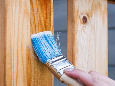 Qué tipo de barniz va sobre madera pintada?   Lifehacks de ...