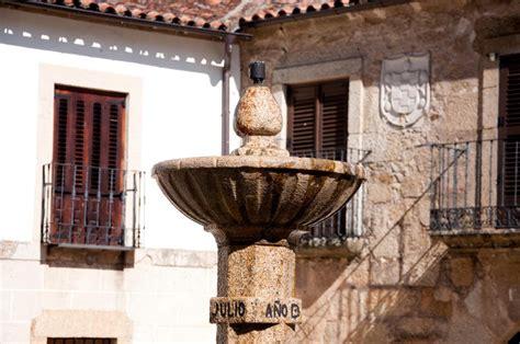 Que ver en San Martín de Trevejo y que hacer: lugares ...