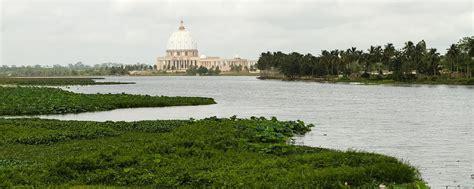 Qué ver y hacer en Yamusukro, capital de Costa de Marfil.