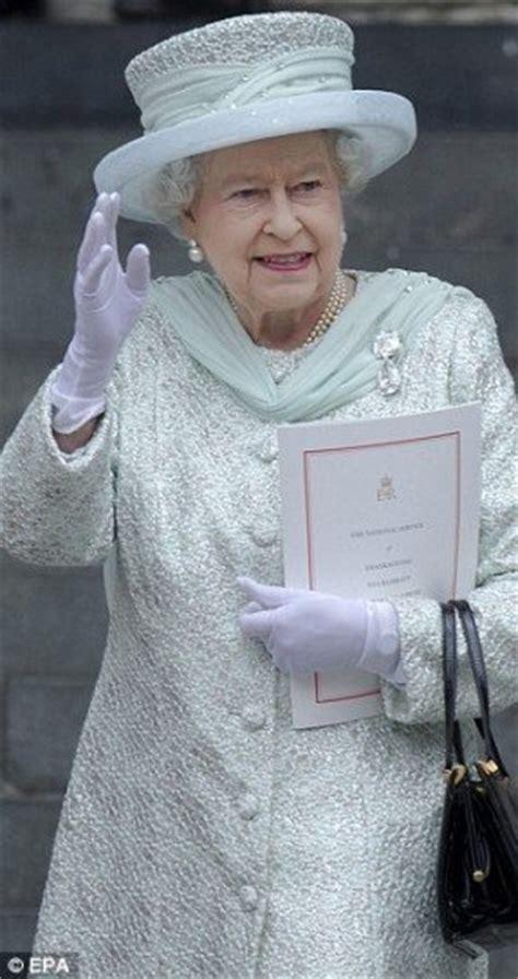 Queen Elizabeth Chair   Foter