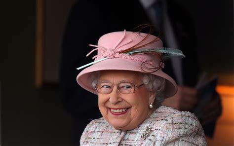 Queen Elizabeth II at Newbury Racecourse on Birthday 2017 ...