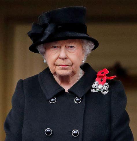 Queen Elizabeth II news: Does the Queen wear a poppy for ...