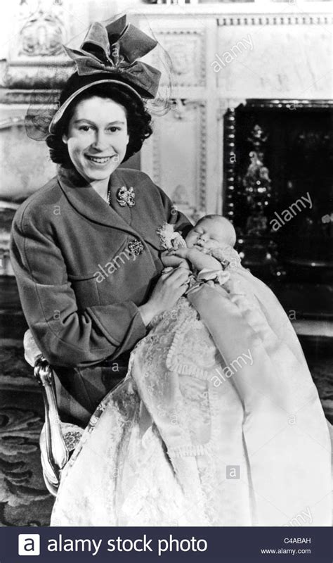 QUEEN ELIZABETH II & PRINCE CHARLES ROYAL FAMILY MOTHER ...