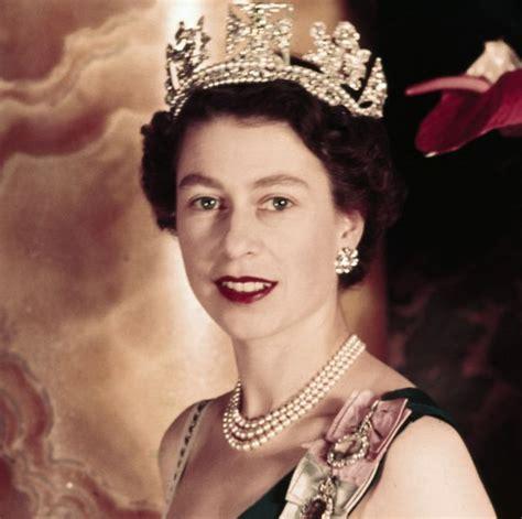 Queen Elizabeth II Through the Years   Photos of Queen ...