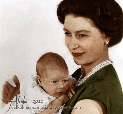 Queen Elizabeth II. with her baby son Prince Andrew ...