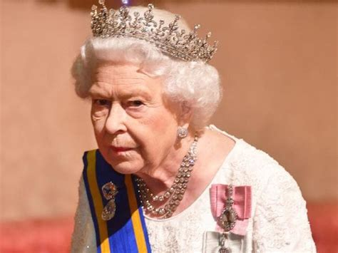 Queen Elizabeth to abdicate British throne in three years ...