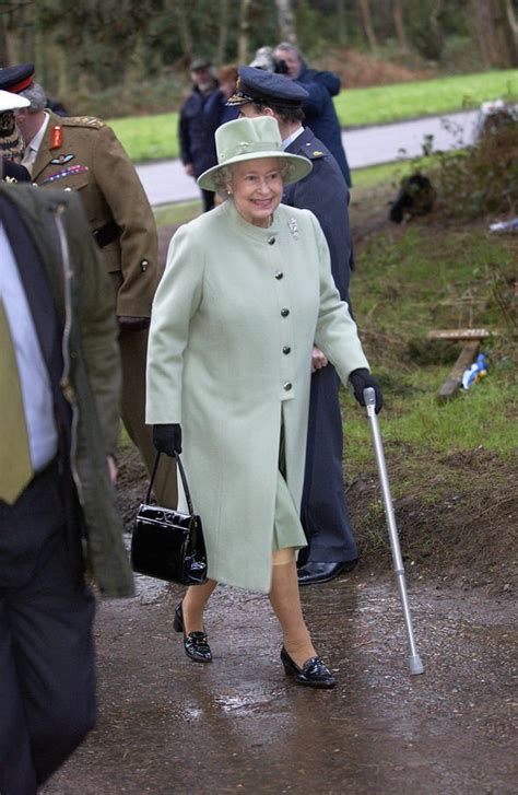 Queen health news: Monarch urged not to ignore operation ...