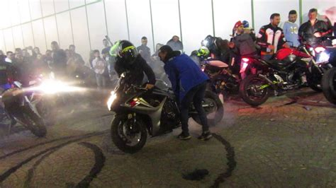 Quemando Rueda en El Motorista Motorada Viernes 2 parte ...