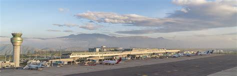 QUITO   Aeropuerto Internacional Mariscal Sucre IV   Page ...