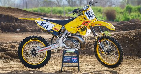 Racer X Films: Garage Build 2017 Yamaha YZ250   Racer X Online