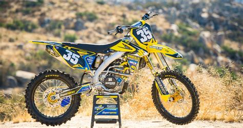 Racer X Films: Garage Build Suzuki RM Z250   Racer X Online