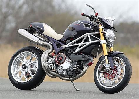 Racing Cafè: Ducati Monster  MCM 1100  by Moto Corse