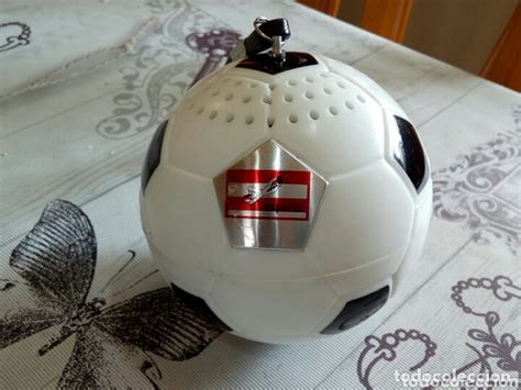 Radio balón de futbol   Vendido en Subasta   172357130