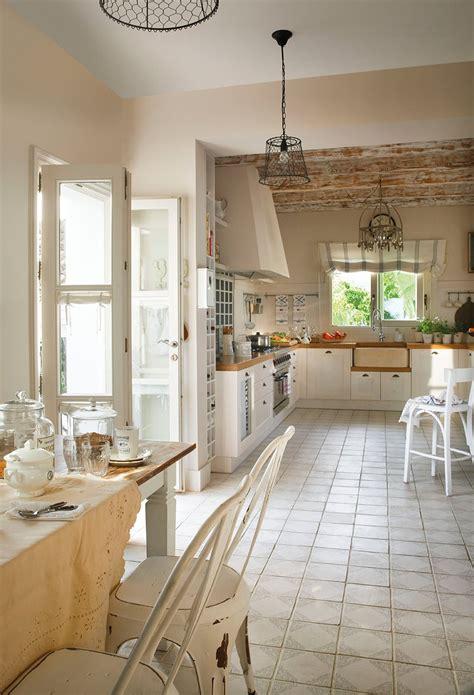 Rahabilitación de una casa de campo para familia grande