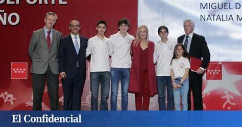 Rajoy acude por sorpresa a los premios de su hijo, el ...