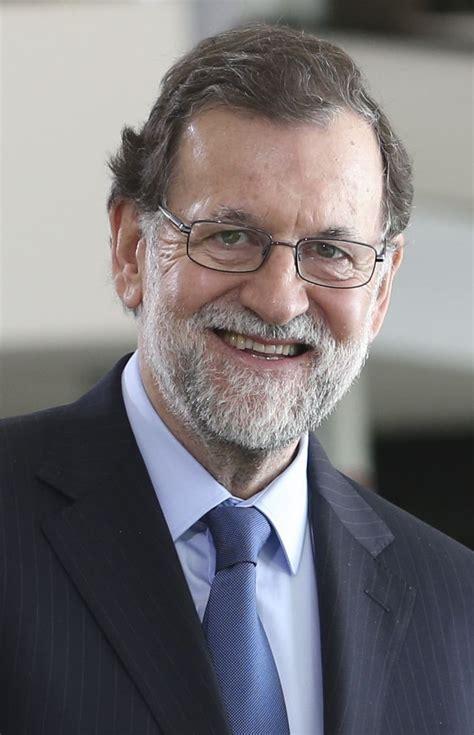 Rajoy al congreso:  Si no vives, es porque estás muerto ...