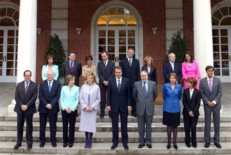 Rajoy hará su primer cambio de Gobierno pasado el ecuador ...