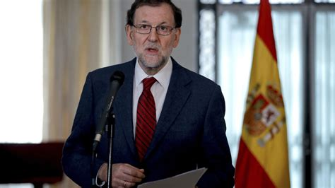 Rajoy y Cospedal felicitan la Navidad a los militares en ...