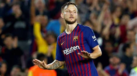 Rakitic quer continuar no FC Barcelona, embora esteja ...