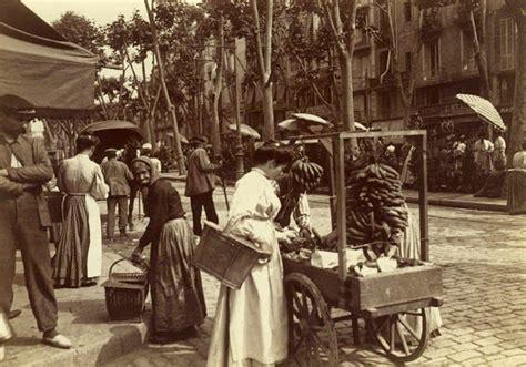 Rambla de San José. Venta de plátanos cerca del Mercado de ...