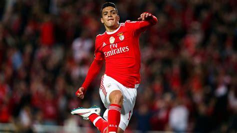 Raúl Jiménez iría a la Premier League