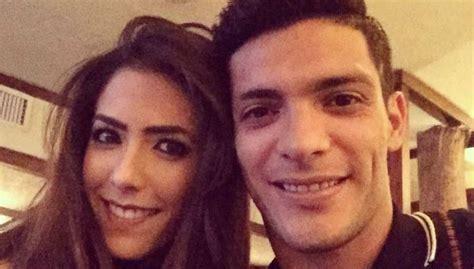 Raúl Jiménez le baja la novia a famoso actor   nuevolaredo.tv